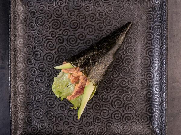 spicy-tuna-temaki