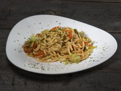udon-noodles-with-vegis