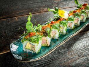 Spicy tuna avocado roll